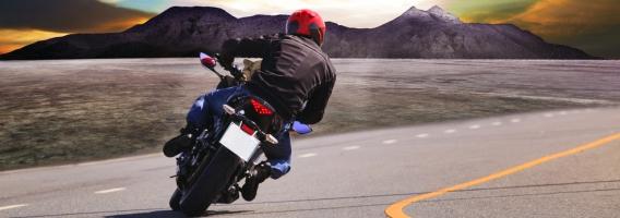 la moto es la solución para la movilidad y el aparcamiento