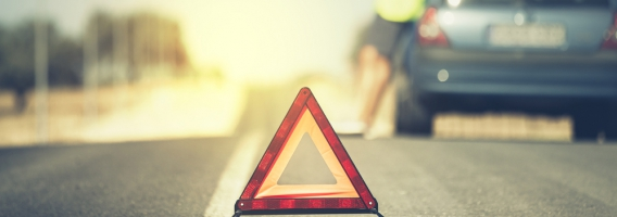 Lo imprescindible que tienes que llevar en el coche para evitar multas
