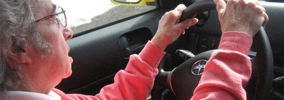 La DGT plantea permisos de conducir con restricciones para mayores de 65 años